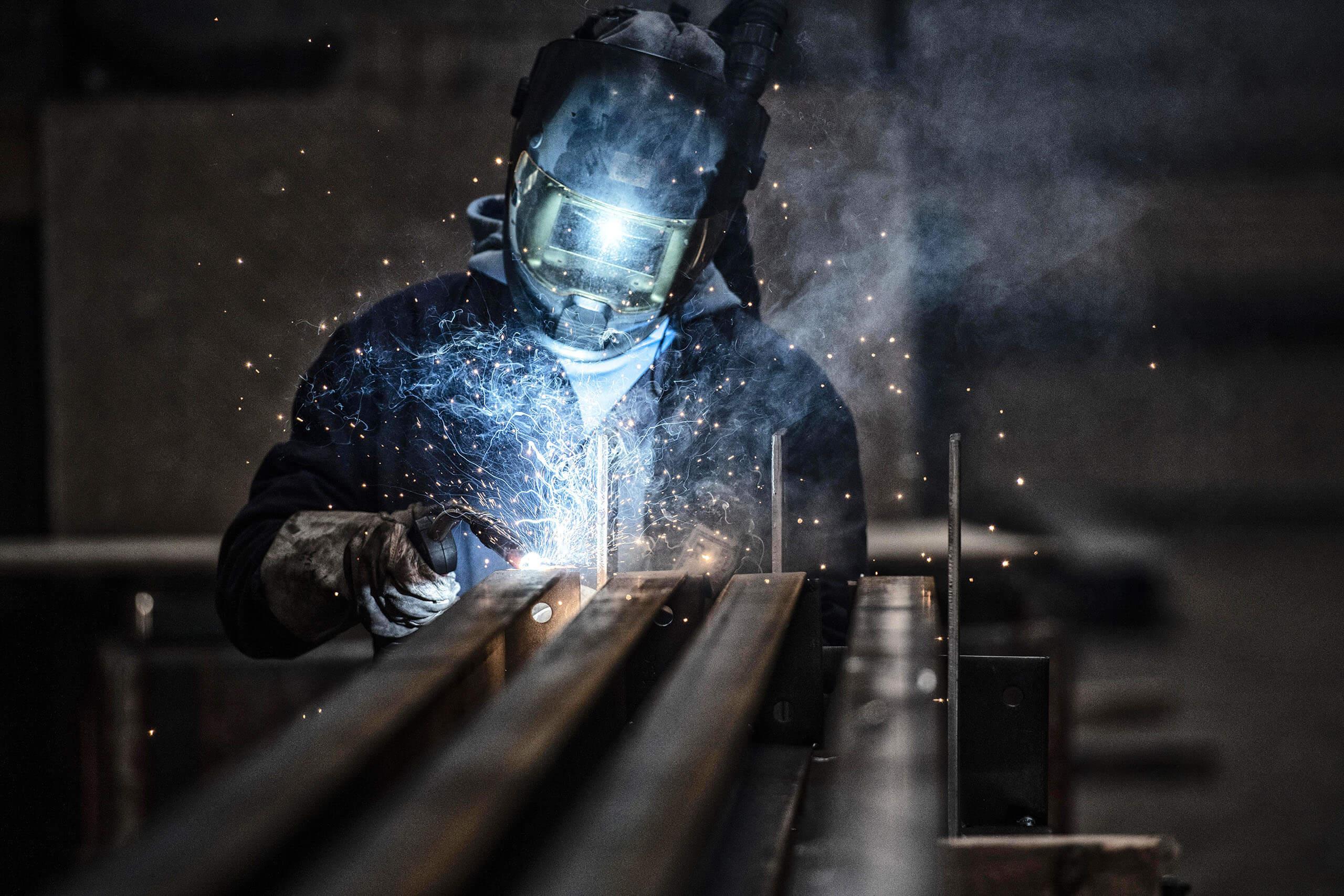 Ruel staalbedrijf reclamefotografie voor website bedrijfsreportage