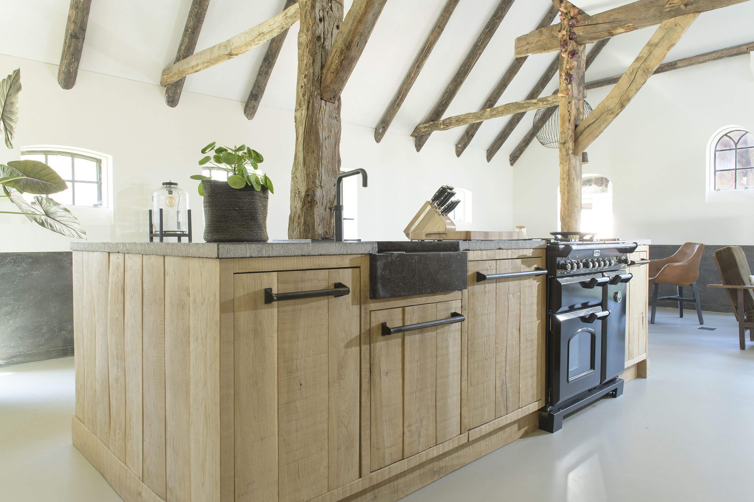 interieurfotografie landelijke keuken masief eiken